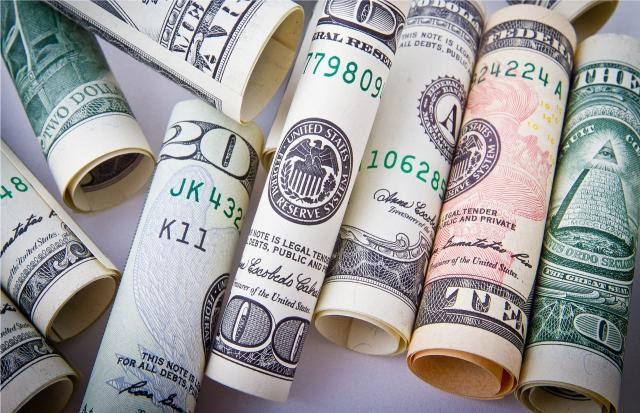 Fakty i mity dotyczące prania pieniędzy
